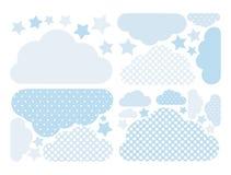 Chmurnieje wektorową kolekcję w pastelowych błękitnych kolorach z białymi polek kropkami Obłoczna oblicza paczka z gwiazdami royalty ilustracja