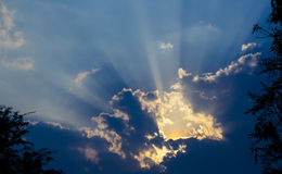 chmurnieje światło słoneczne Obraz Royalty Free