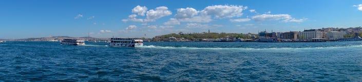Chmurny dzień i Bosphorus zdjęcie stock