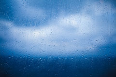 Chmurny i Dżdżysty Pogodowy tło obraz stock
