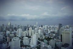 Chmurny niebieskiego nieba Bangkok pejzaż miejski Obrazy Stock