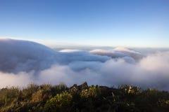 Chmurny niebo nad górami, (Doi Luang Chiang Dao, Chiang Mai, Tajlandia) Fotografia Stock