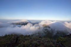 Chmurny niebo nad górami, (Doi Luang Chiang Dao, Chiang Mai, Tajlandia) Fotografia Royalty Free