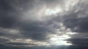 Chmurny niebo z słońce promieniem Obraz Royalty Free