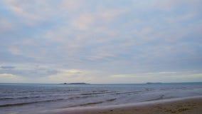 Chmurny popołudnie przy plażą zbiory