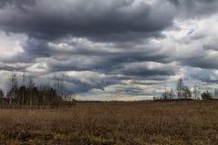 chmurny śródpolny niebo Obraz Royalty Free