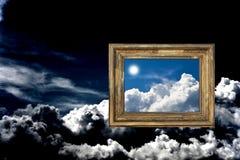 chmurny ramowy niebo Fotografia Royalty Free