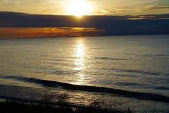 Chmurny zmierzch Na jezioro michigan fotografia royalty free