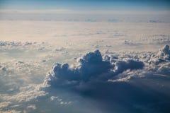 Chmury bellow samolot zdjęcie stock