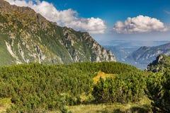 chmury caucasus kształtują obszar gór górskich shurovky ushba nieba gór Poland tatra Obrazy Royalty Free
