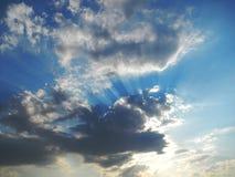 Chmury i światła słoneczne, Kruger park narodowy, POŁUDNIOWA AFRYKA Zdjęcie Stock