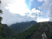 Chmury i góry Zdjęcie Stock