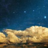 Chmury i gwiazdy fotografia stock