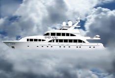 chmury marzą luksusowego jacht Zdjęcia Royalty Free