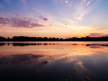 Chmury nad Świętym Imię Jeziornym wschodem słońca na dobrze zdjęcie royalty free
