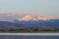 Chmury Nad Long Szczytowym Kolorado zdjęcie royalty free
