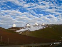 Chmury nad obserwatorium, Mauna Kea, Hawaje obraz stock