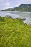 Chmury nad rybim jeziorem Siedem Rila jezior Zdjęcia Royalty Free