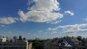Chmury nad Zagreb miasta timelapse zbiory wideo