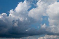 Chmury niebo przed burzy przybyciem Obraz Royalty Free