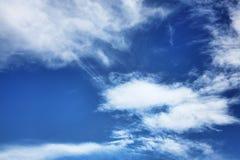 Chmury pierzastej i cumulusu chmury Obraz Stock