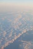 Chmury przy zmierzchem od samolotu w niebo krajobrazie obraz royalty free