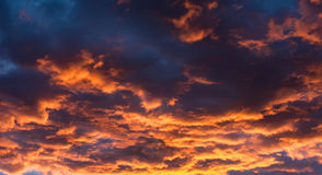 Chmury przy zmierzchem w Nevada pustyni Zdjęcie Stock