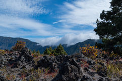 Chmury przychodzi nad Cumbre na losie angeles Palma, Hiszpania Zdjęcia Stock