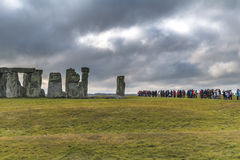 Chmury, turyści, Stonehenge Fotografia Royalty Free