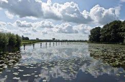 Chmury w jeziorze. Obrazy Royalty Free