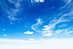 Chmury w niebie zdjęcia stock
