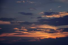 Chmury w niebie nad horyzont obraz royalty free