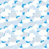 Chmury w niebieskie niebo bezszwowym wzorze ilustracja wektor