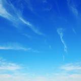 chmury w niebieskim niebie Obraz Royalty Free