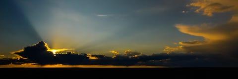 Chmury w pustyni Mongolia Zdjęcia Stock