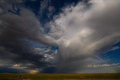 Chmury w pustyni Mongolia Obrazy Royalty Free