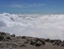 Chmury widzieć z wierzchu góry Fotografia Royalty Free