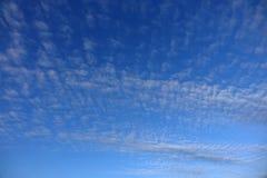 Chmurzący światła dziennego niebo Obraz Stock