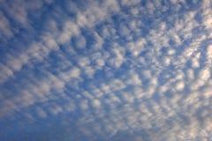 Chmurzący światła dziennego niebo fotografia royalty free