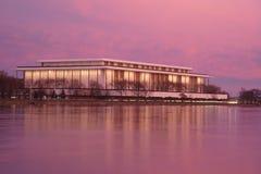 chmurzący rafinerii oleju do nieba Dla Przedstawień Kennedy Centrum obraz royalty free
