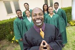 Cho de ministre et d'evangile dans le jardin d'église Image stock