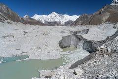 Cho Oyu halny szczyt i Ngozumpa lodowiec Obraz Stock