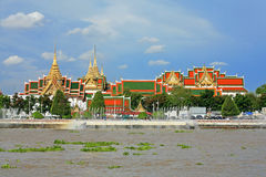 Choapraya river and grand palace bangkok Royalty Free Stock Photography