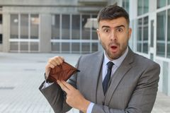 Chockad man med inga pengar arkivfoto