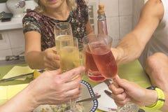 Choco des verres, plan rapproché Images stock