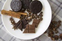 Choco med kaffe och kanel 01 Fotografering för Bildbyråer