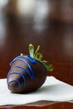 Chocolade behandelde aardbei royalty-vrije stock fotografie