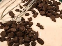 Chocolade Chip Pancake Batter royalty-vrije stock afbeeldingen