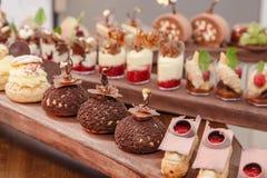 Chocolade choux gebakje Royalty-vrije Stock Foto's