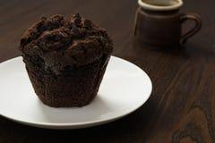 Chocolade Cupcake met vork Royalty-vrije Stock Afbeelding